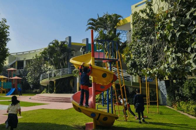 jatszoteri-eszkozok-szerepe-a-gyermek-fejlodeseben-01