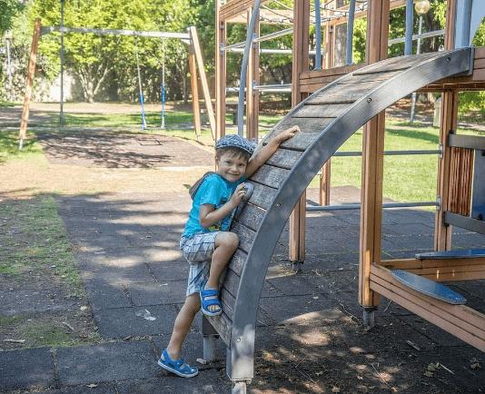 mászóka gyermek játszótér